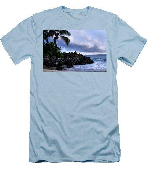 I Ke Kai Hawanawana Eia Kuu Lei Aloha - Paako Beach Maui Hawaii Men's T-Shirt (Slim Fit) by Sharon Mau