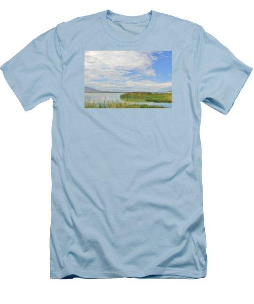 Island Peace Men's T-Shirt (Athletic Fit)