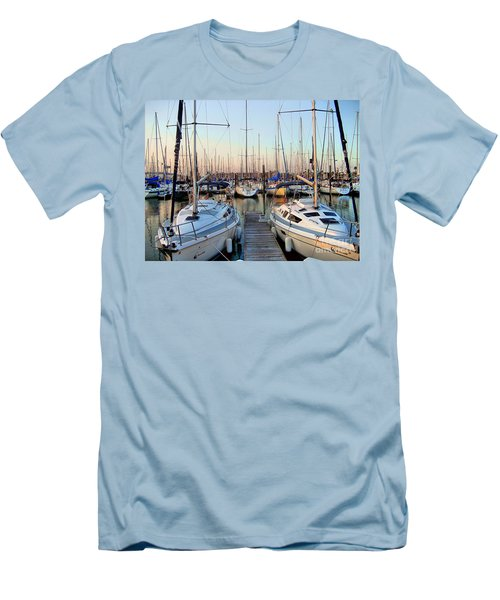 Kemah Boardwalk Marina Men's T-Shirt (Athletic Fit)