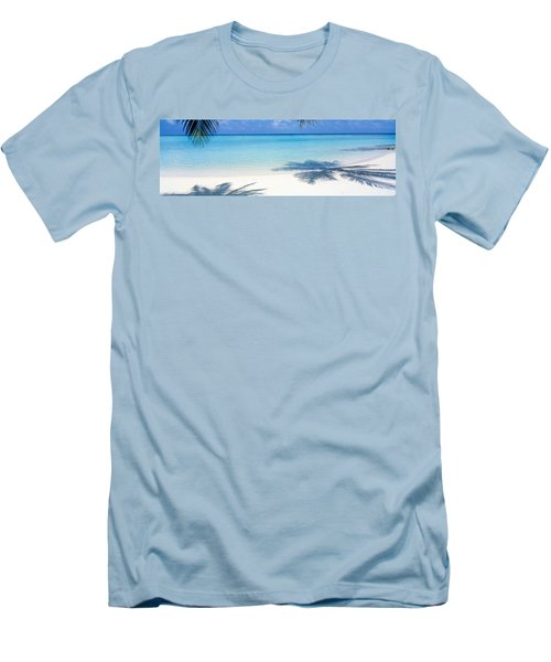 Laguna Maldives Men's T-Shirt (Athletic Fit)