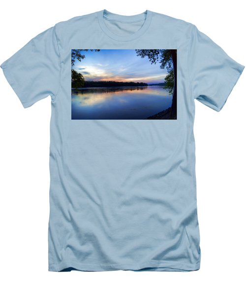 Missouri River Blues Men's T-Shirt (Athletic Fit)