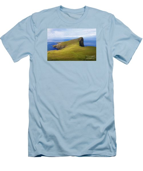Neist Point  Men's T-Shirt (Athletic Fit)