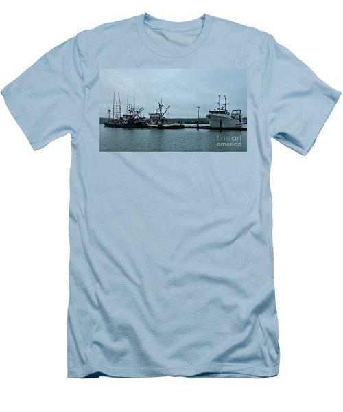 Newport Fishing Boats Men's T-Shirt (Athletic Fit)