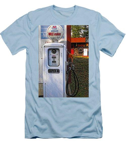 Old Marathon Gas Pump Men's T-Shirt (Athletic Fit)