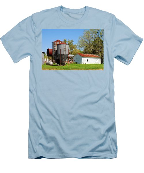 Old Texas Farm Men's T-Shirt (Athletic Fit)
