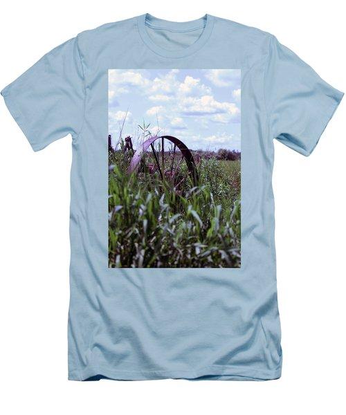 Old Wheel  Men's T-Shirt (Slim Fit)