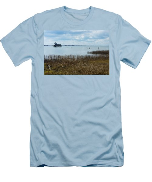 Oyster Shack And Tall Grass Men's T-Shirt (Athletic Fit)