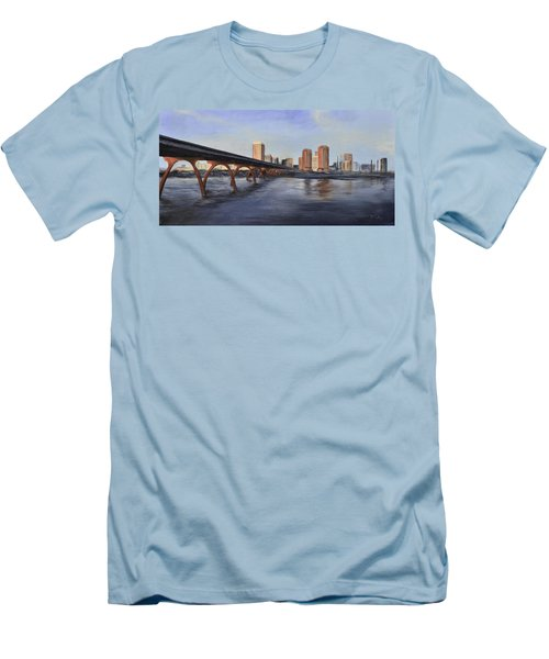 Richmond Virginia Skyline Men's T-Shirt (Athletic Fit)
