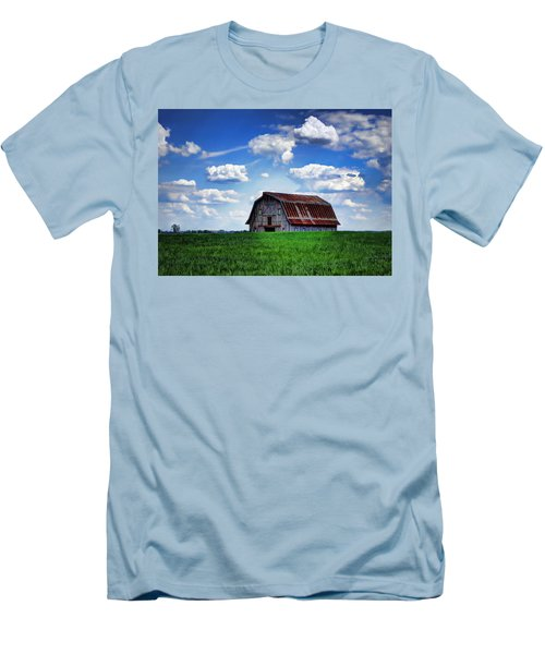 Riverbottom Barn Against The Sky Men's T-Shirt (Athletic Fit)