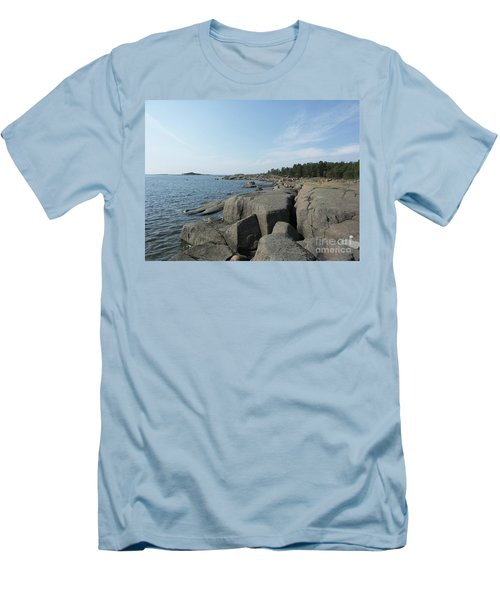 Rocky Seashore 2 In Hamina  Men's T-Shirt (Athletic Fit)