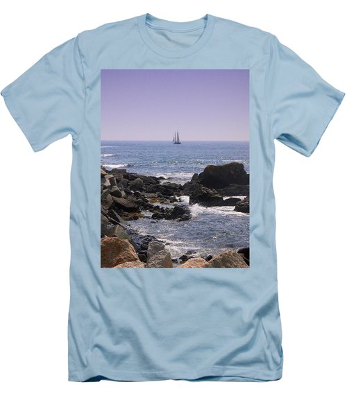 Sailboat - Maine Men's T-Shirt (Slim Fit)