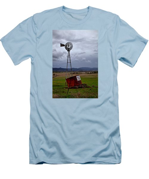 Salt Springs Windmill Men's T-Shirt (Athletic Fit)