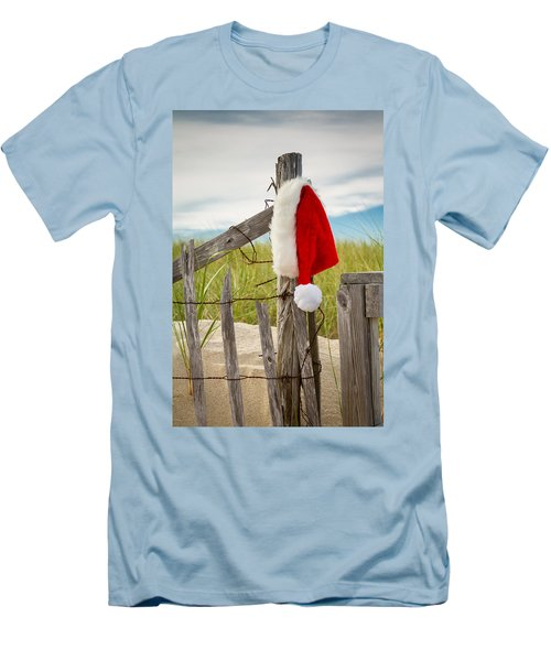 Santa's Downtime Men's T-Shirt (Athletic Fit)