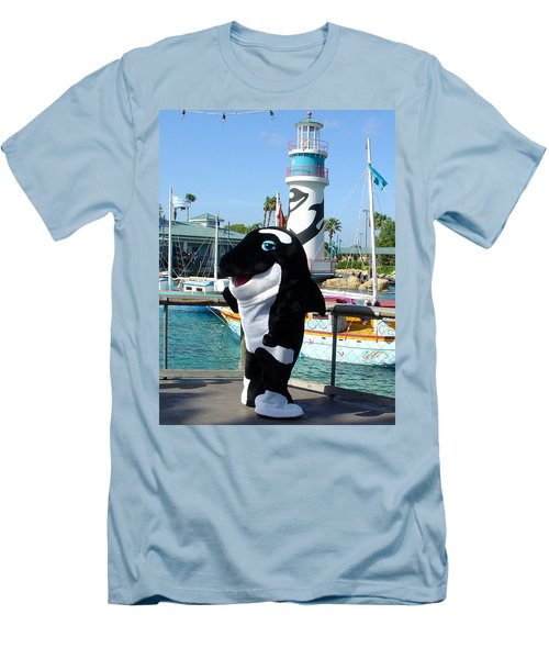 Shamu Men's T-Shirt (Athletic Fit)