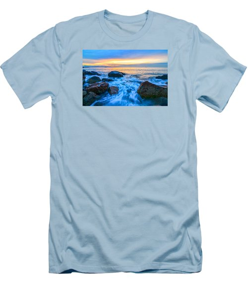 Singing Sunrise Singing Beach Men's T-Shirt (Athletic Fit)