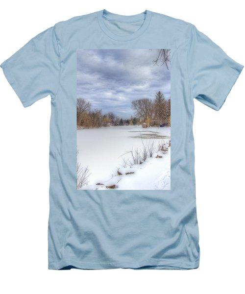Snowy Lake Men's T-Shirt (Slim Fit)