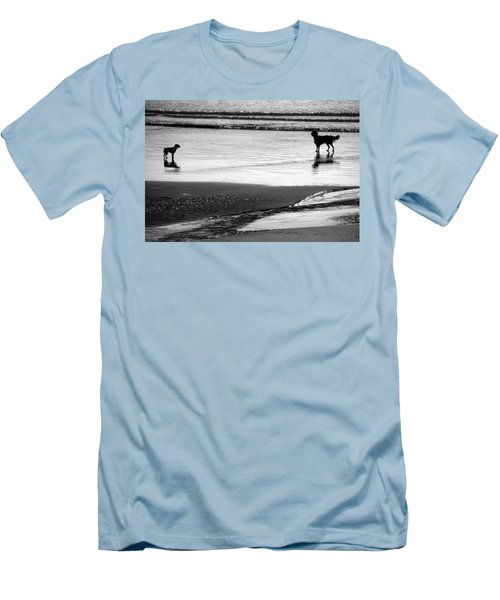 Standoff At The Beach Men's T-Shirt (Slim Fit)