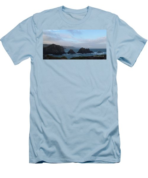 Hartland Quay Storm Men's T-Shirt (Athletic Fit)