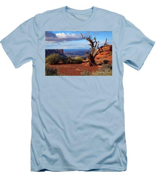 The Watchman Men's T-Shirt (Slim Fit) by Jim Garrison