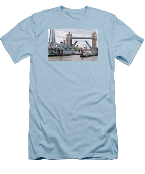 Tower Bridge Opens Men's T-Shirt (Athletic Fit)