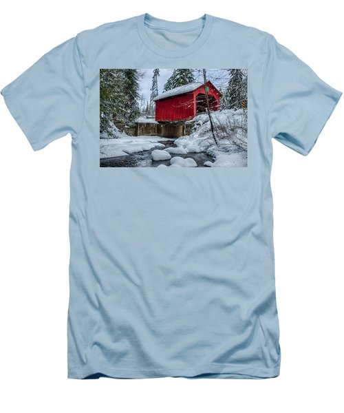 Vermonts Moseley Covered Bridge Men's T-Shirt (Slim Fit) by Jeff Folger