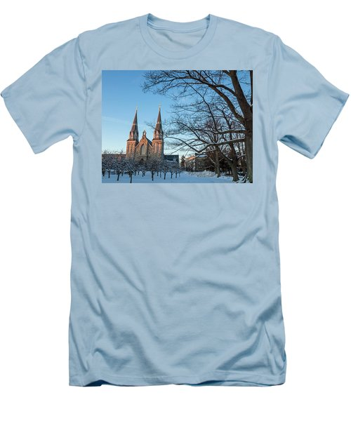 Villanova Winter Saint Thomas Men's T-Shirt (Athletic Fit)