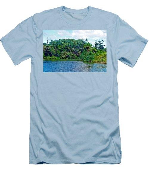 Waoleke Pond Forest Men's T-Shirt (Athletic Fit)