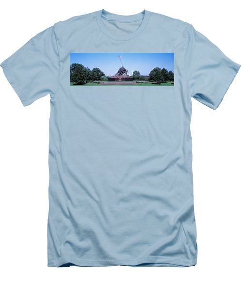 War Memorial With Washington Monument Men's T-Shirt (Slim Fit) by Panoramic Images