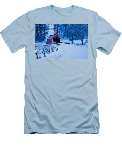 winter Vermont covered bridge Men's T-Shirt (Slim Fit) by Jeff Folger