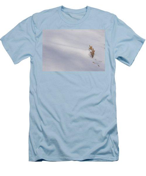 Blown Snow And Oak Leaf Men's T-Shirt (Athletic Fit)