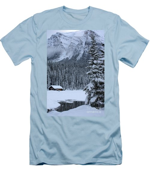 Cabin In The Snow Men's T-Shirt (Athletic Fit)