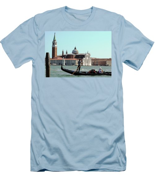 Gandola Rides In Venice Men's T-Shirt (Athletic Fit)