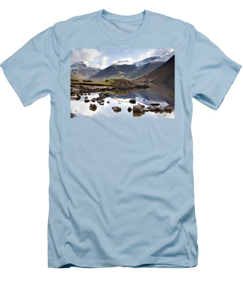 Mountains And Lake At Lake District Men's T-Shirt (Athletic Fit)