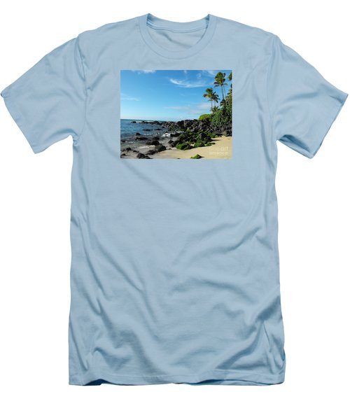 Turtle Beach Oahu Hawaii Men's T-Shirt (Slim Fit) by Rebecca Margraf