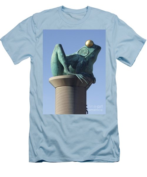 Willimantic Frog Bridge Men's T-Shirt (Athletic Fit)