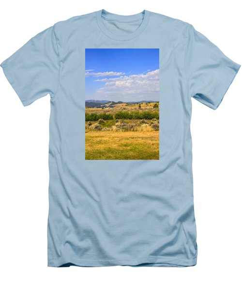 Big Sky Montana Men's T-Shirt (Athletic Fit)