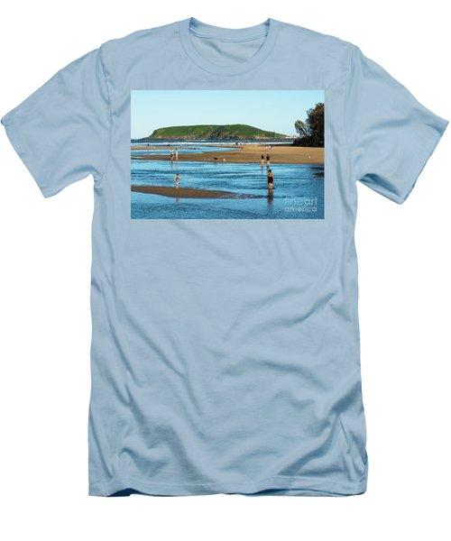 Coffs Creek Men's T-Shirt (Athletic Fit)