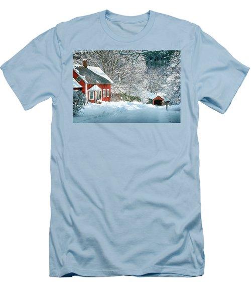 Green River Bridge In Snow Men's T-Shirt (Slim Fit)