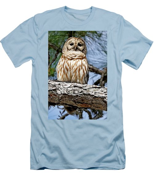 Owl In A Tree Men's T-Shirt (Slim Fit)