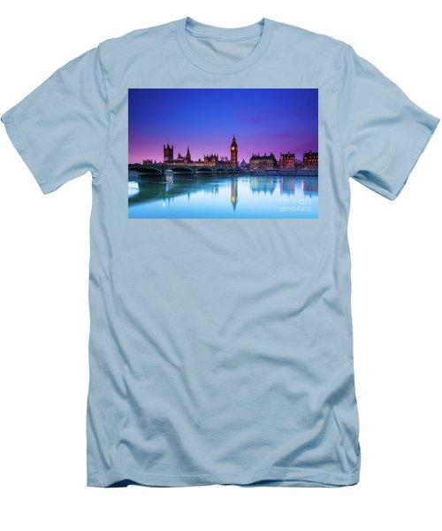 London Big Ben  Men's T-Shirt (Athletic Fit)