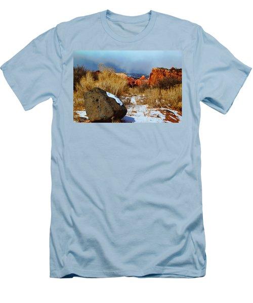 Captiol Reef National Park  Men's T-Shirt (Athletic Fit)