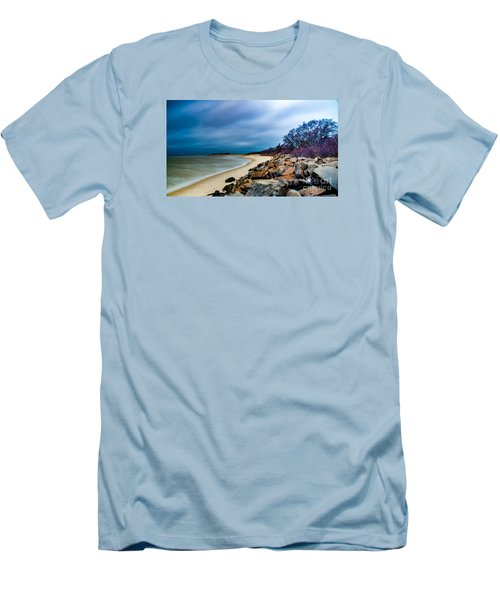 A Winter's Beach Men's T-Shirt (Athletic Fit)