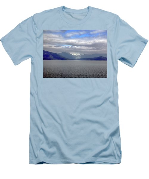 Alaskan Coast 2 Men's T-Shirt (Athletic Fit)
