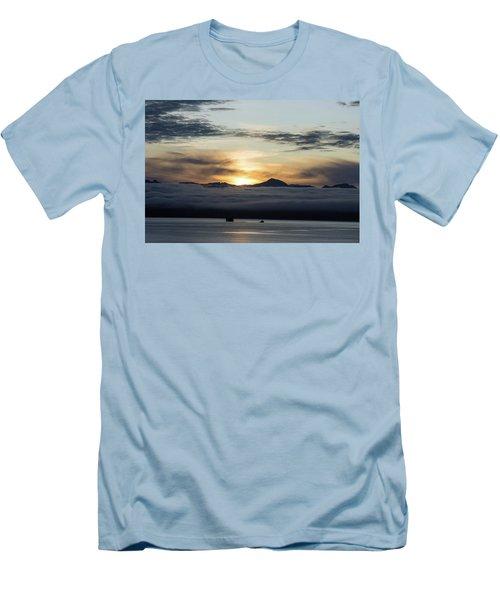Alaskan Sun Rise Men's T-Shirt (Athletic Fit)