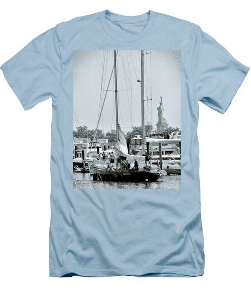 America II And The Statue Of Liberty Men's T-Shirt (Athletic Fit)