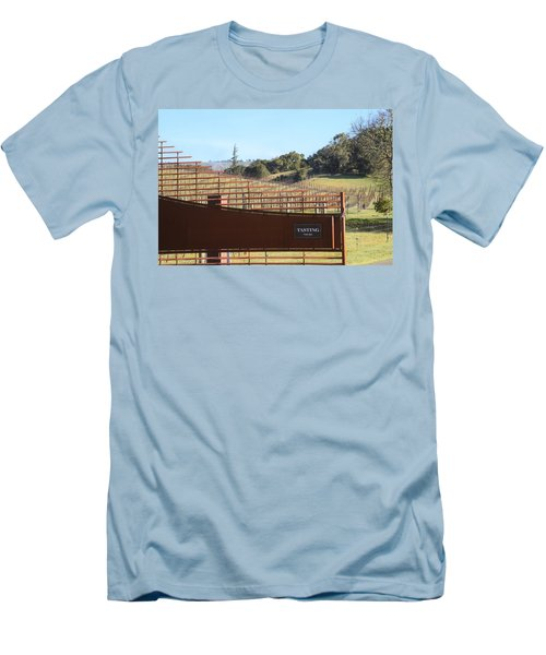 Anderson Valley Vineyard Men's T-Shirt (Athletic Fit)