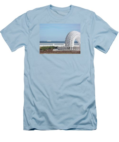 Bayshore Boulevard Sculpture Men's T-Shirt (Athletic Fit)