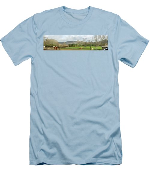 Men's T-Shirt (Slim Fit) featuring the photograph Behind The Dillard House Restaurant by Jerry Battle
