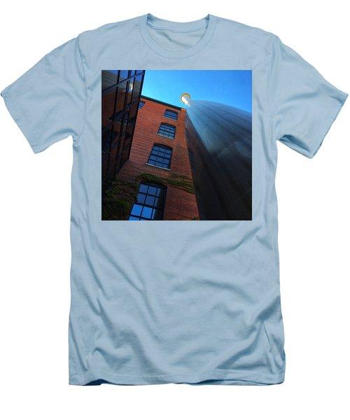 Big Bat  Men's T-Shirt (Athletic Fit)