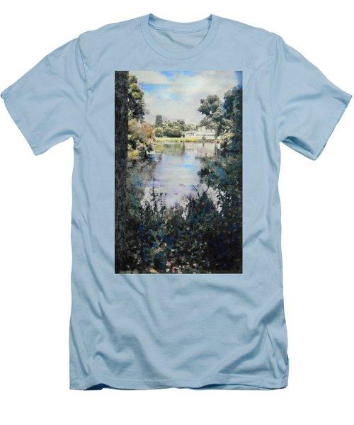 Buckingham Palace Garden - No One Men's T-Shirt (Athletic Fit)